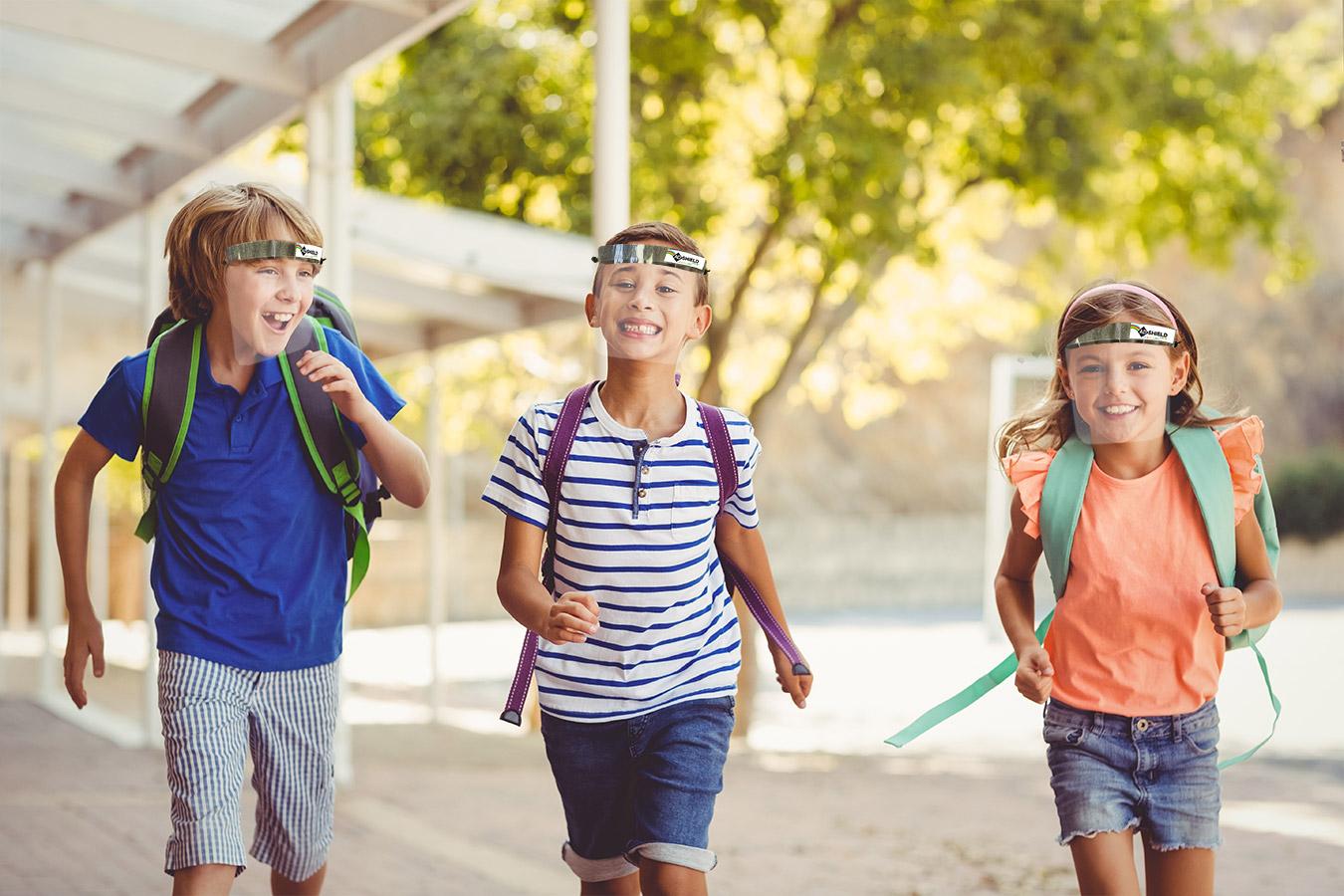 Enfants portant une visière Adshield Kids