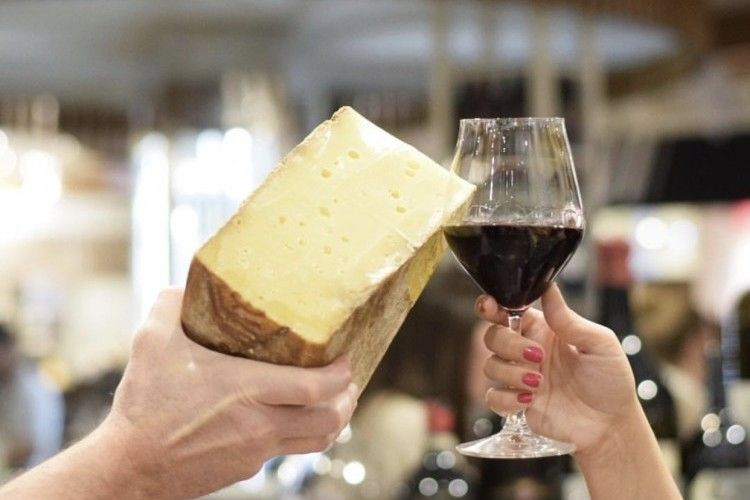 An Interactive Cheese & Wine Pairing Experience