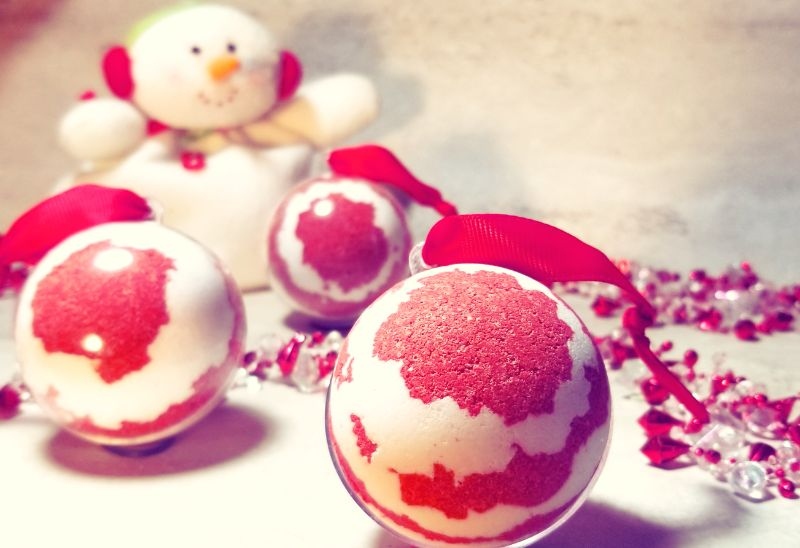 Virtual Craft Party - Candy Cane Bath Bombs!