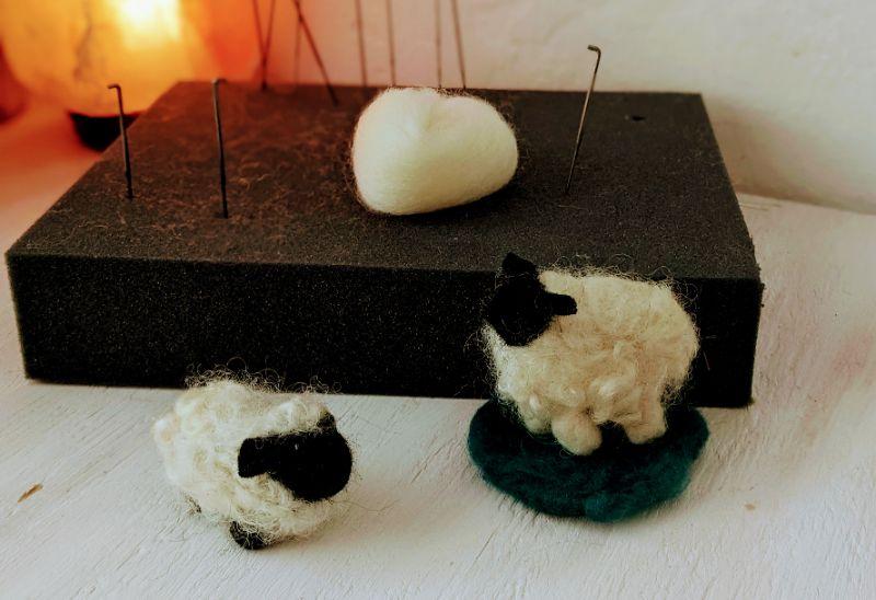 Virtual Craft Party - Needlefelt  Sheep!