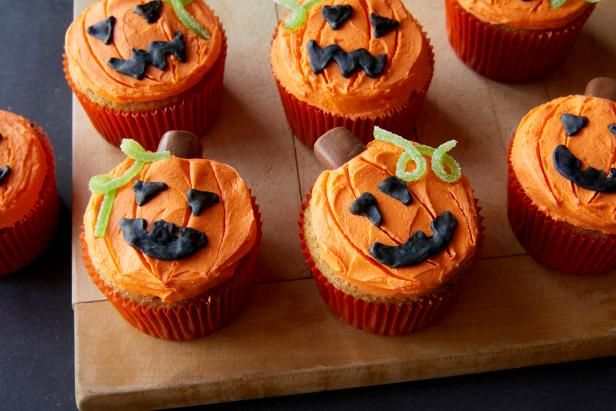 Halloween Cupcake Decorating and Costume Party