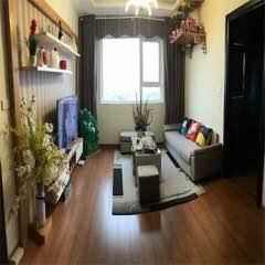 Cần cho thuê căn hộ chung cư 3 phòng sàn gỗ đẹp lắm