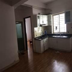 Cần cho thuê căn hộ 2 phòng sàn gỗ rất đẹp