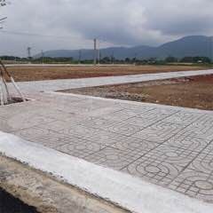 Bán lô đất mt ngay khu du lịch sinh thái Núi Dinh ,shr ,giá 750tr/nền