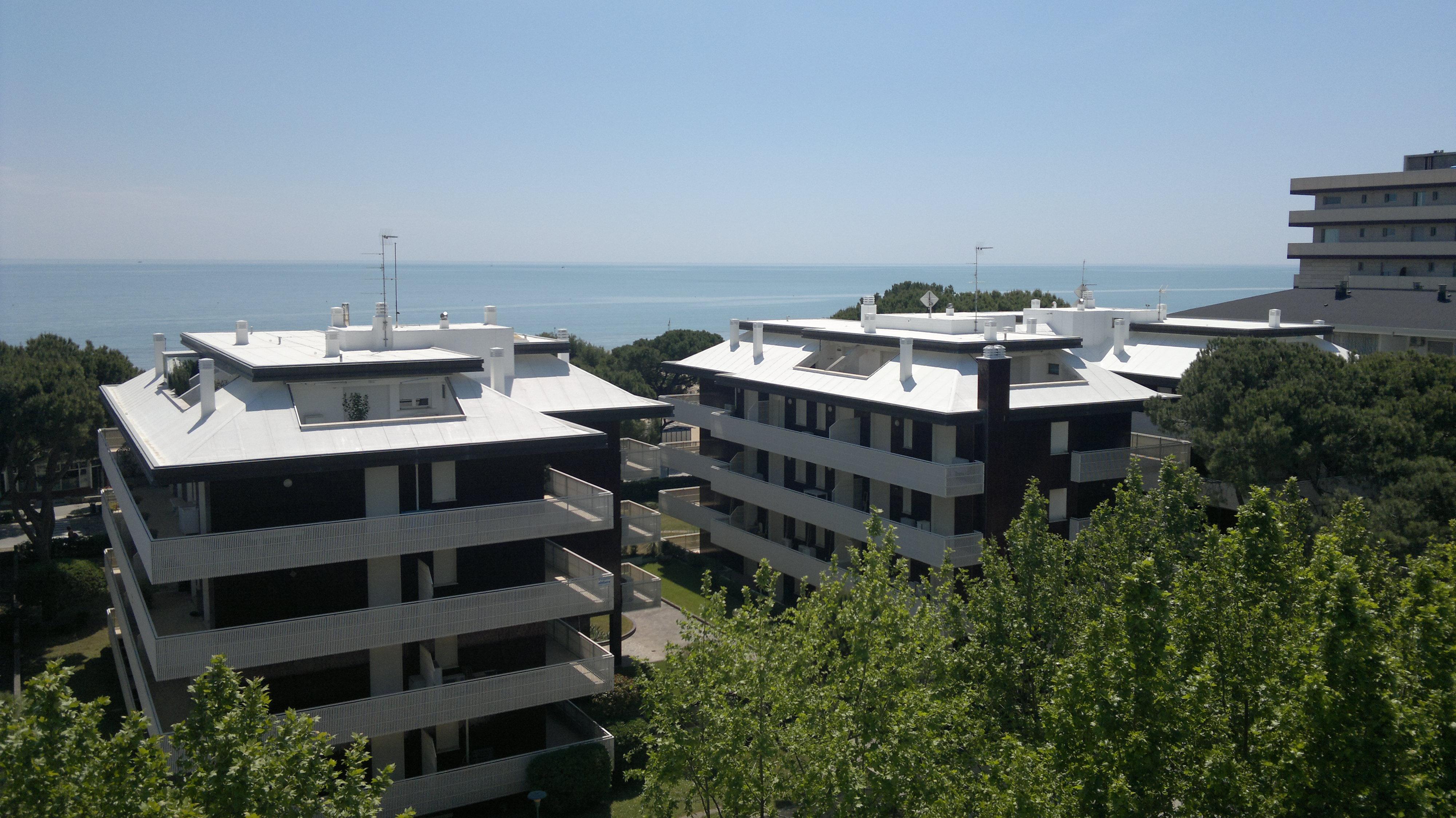 Toiture blanche Villa Doimo - Lignagno Sabbia d'Oro UD Italie - Derbigum