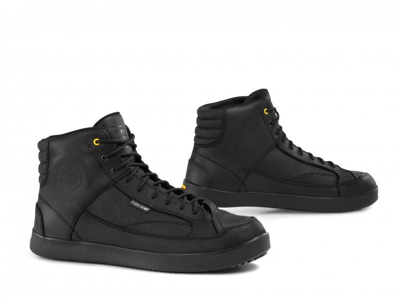 Falco Yuman Black Boots