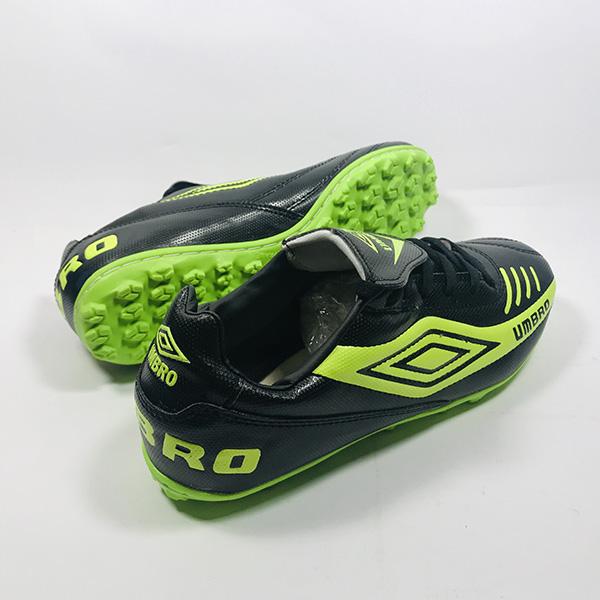 Giày đá bóng sân cỏ nhân tạo Umbro đ.xl hình 2