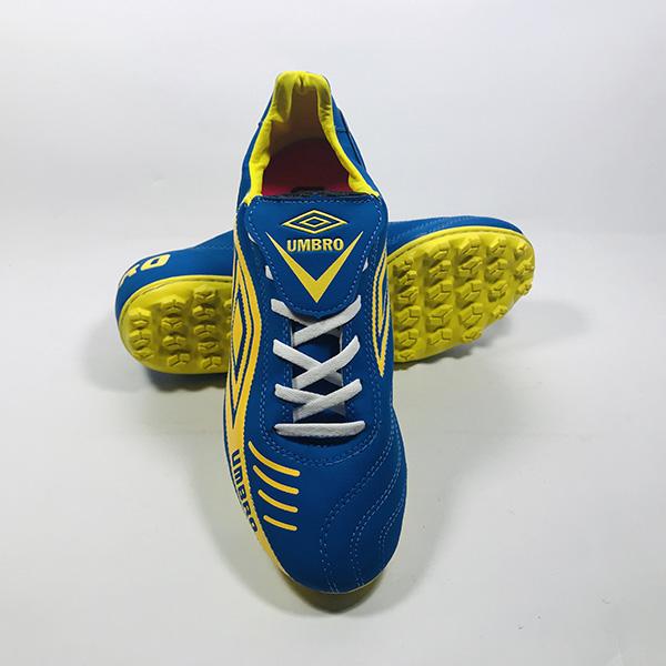 Giày đá bóng sân cỏ nhân tạo Umbro xd hình 3