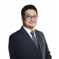 Neurology Specialist Dr Raymond Tan Yen Leong