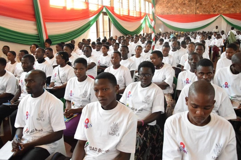 Jeunes a Gitega