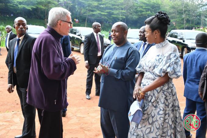 Le Président de la République invite les paroisses catholiques à assurer l'encadrement du développement