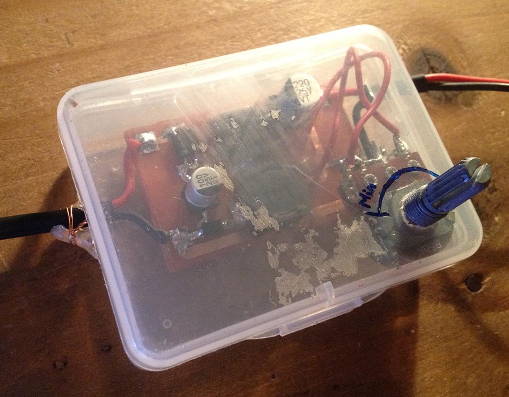 Mạch được lắp trong hộp