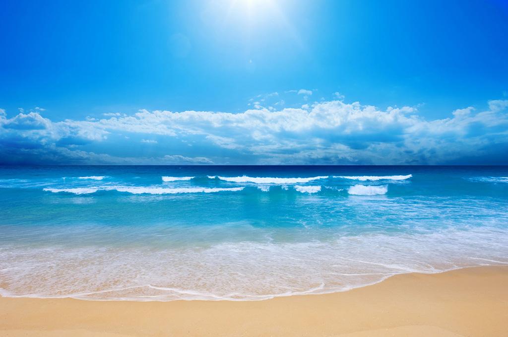 Biển xanh - cát trắng - nắng vàng