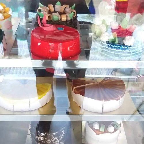 Divine The Cake Shop