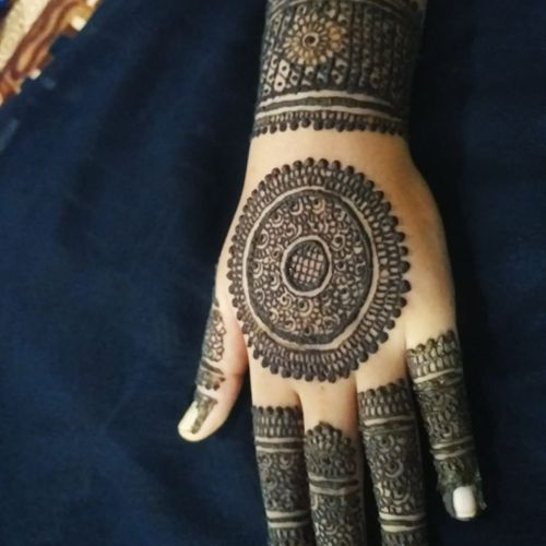 NELOFER MEHANDI ART