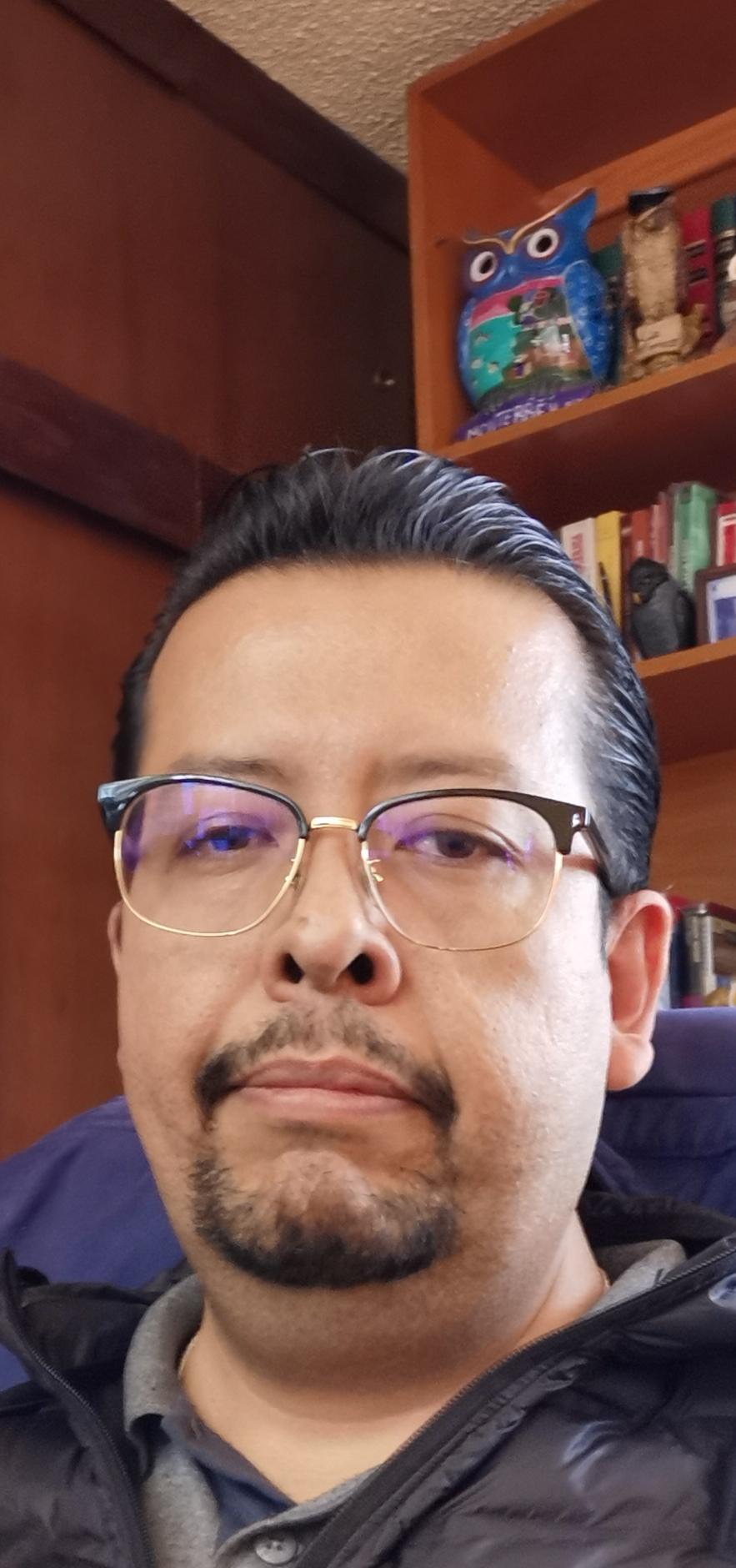 Emmanuel José  González