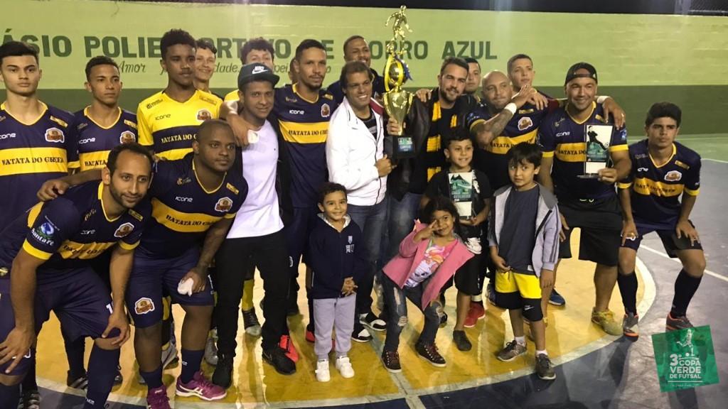 Copa Verde de Futsal 2019 - Pose pra foto de Campeão! O Burger Green faz história na competição! Foram 5 jogos, 4 vitórias e 1 derrota. 80% de aproveitamento.