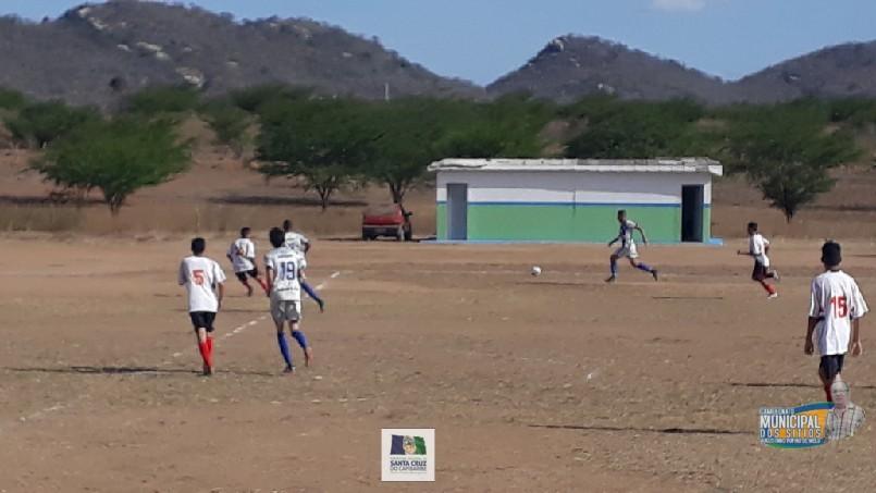 CAMPEONATO MUNICIPAL DE FUTEBOL DOS SÍTIOS AUGUSTINHO RUFINO DE MELO  - Lances do jogo Meninos da Vila x São Paulinho