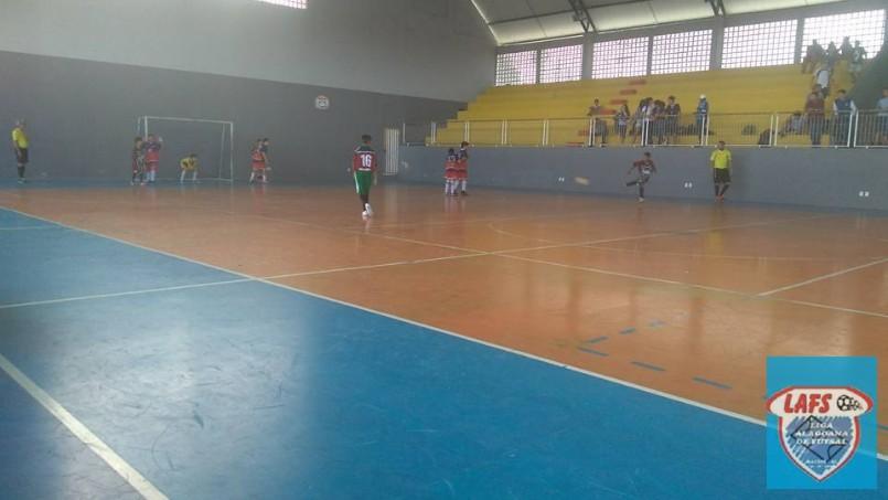 LIGA ALAGOANA DE FUTSAL  - lance do jogo Claudizete  e Lucena Lima