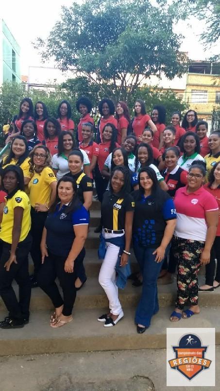 Campeonato Das Regiões Do Bloco Norte - meninas da bandeira