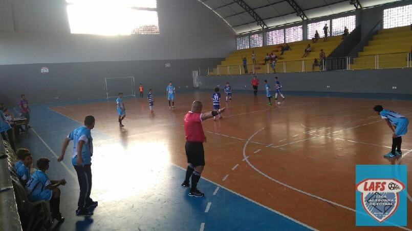 LIGA ALAGOANA DE FUTSAL  - lance do jogo sub 13  entre Rosalvo Ribeiro e  Santa Cecília