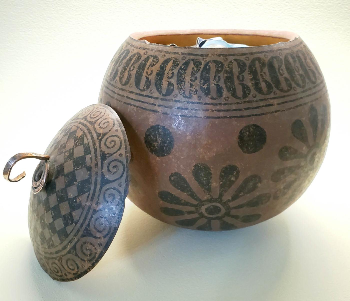 NatAm Design Container Gourd
