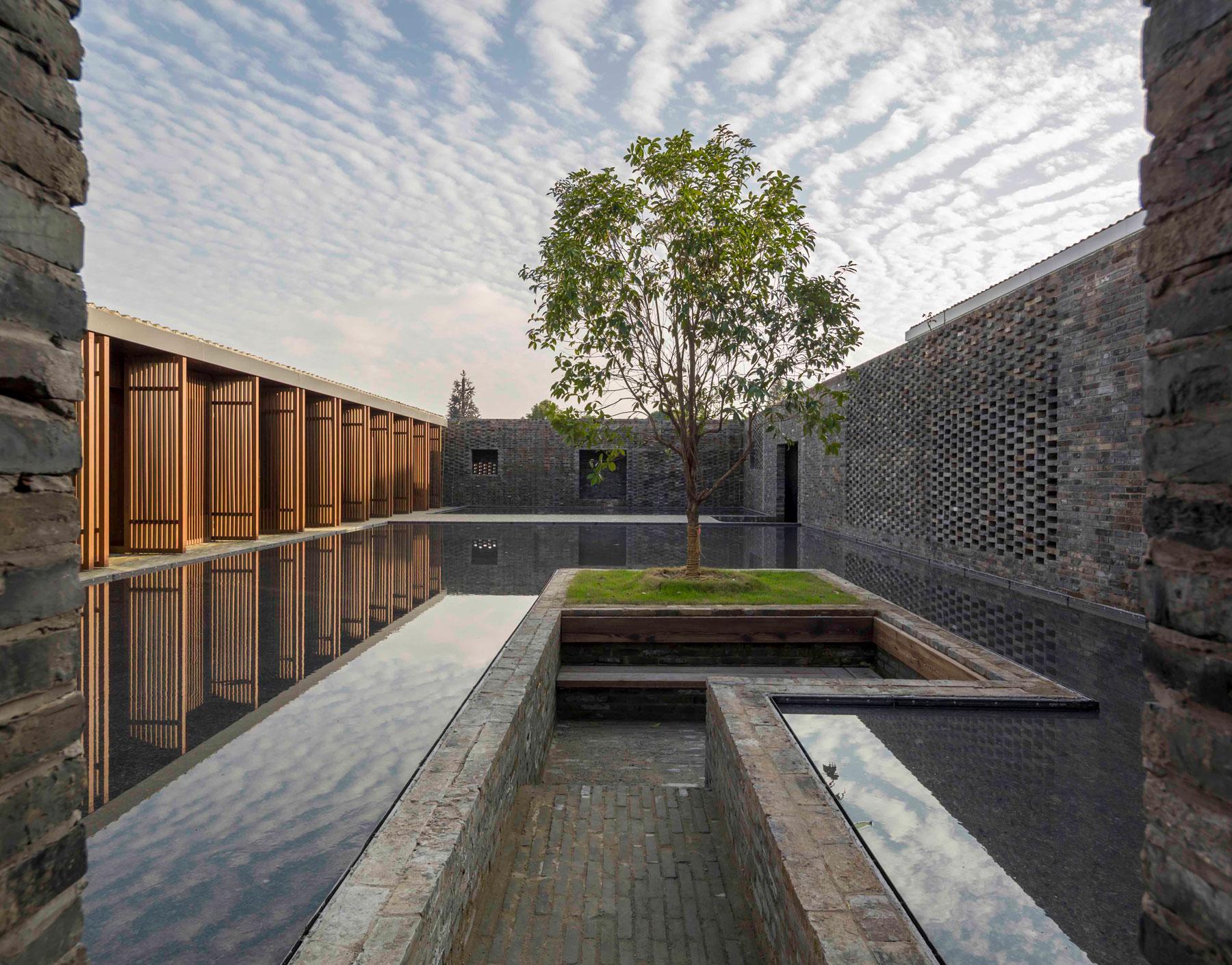 Tsingpu Yangzhou Retreat, Lyndon Neri