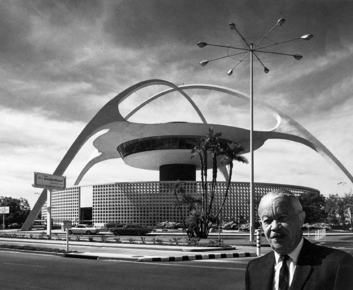 Paul Williams (USC B.Arch, Class of 1919) in front of the theme building at LAX