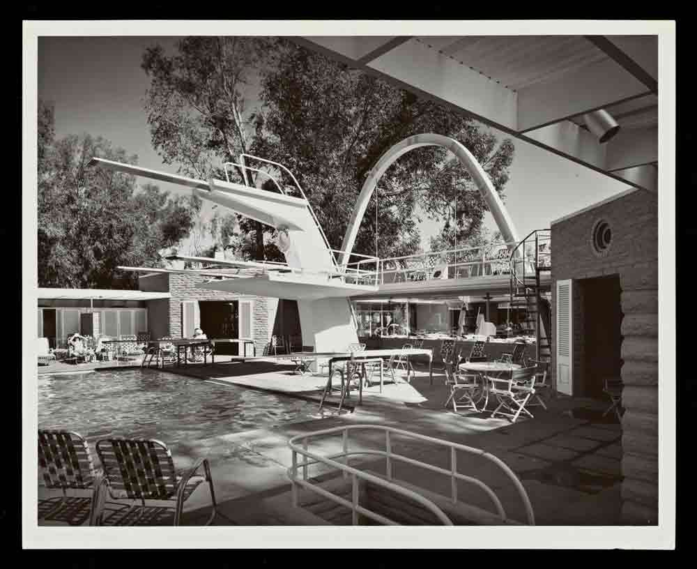 El Mirador Hotel, Palm Springs, Paul. R. Williams architect, Built 1952-53, photography by Julius Shulman, 1953, Gelatin Silver Print, © J. Paul Getty Trust. Getty Research Institute, Los Angeles (2004.R.10)