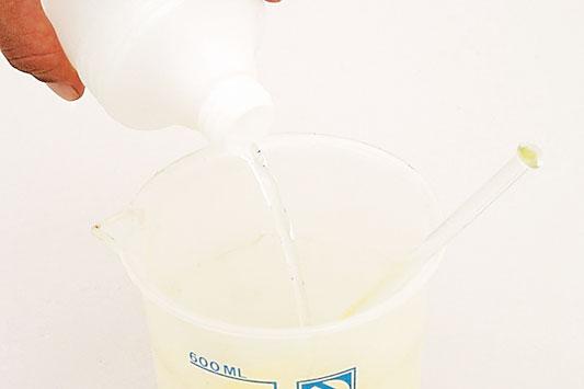 1337617618_sabonete-liquido_passo2_533_21-5-12.jpg