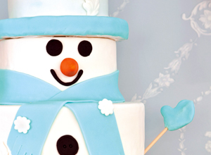 Bolo confeitado de boneco de neve
