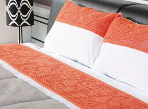 Jogo de cama de casal com crochê abstrato