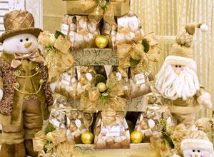 Árvore de Natal com caixas