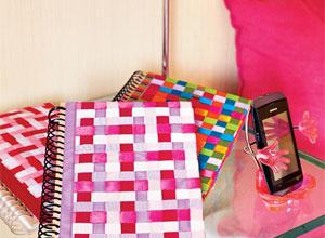 Caderno customizado com fitas