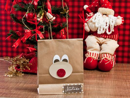 Embalagem de Natal com carinha de rena