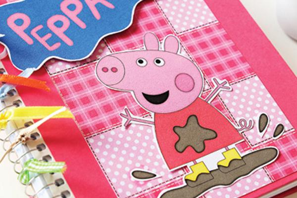 Caderno Peppa Pig com scrap