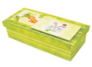 Caixa decorada com pintura para a Páscoa