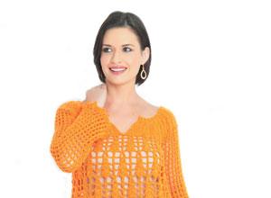 Blusa laranja de crochê