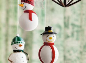 Decoração com bonecos de neve