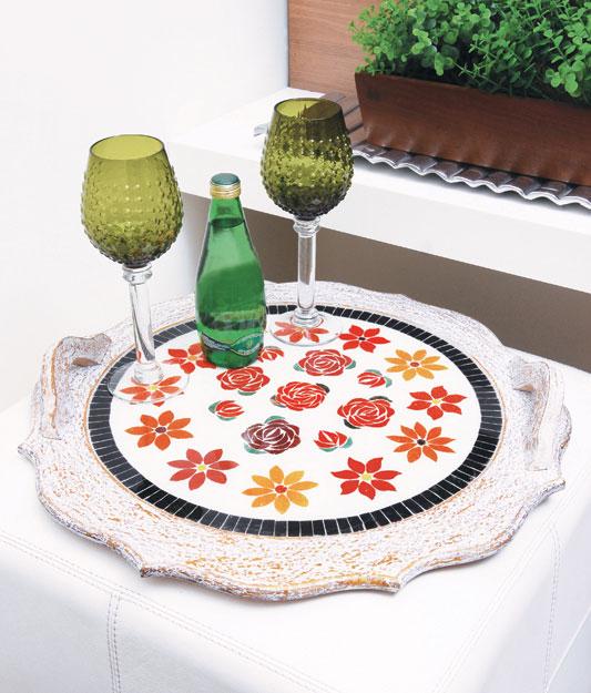 Bandeja de mosaico com flor