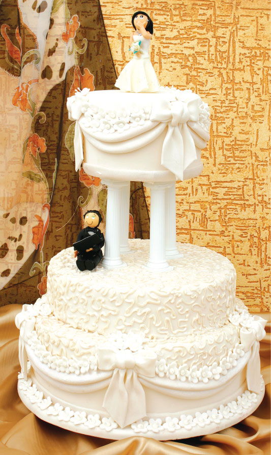 Bolo de casamento com recheio de baba de moça