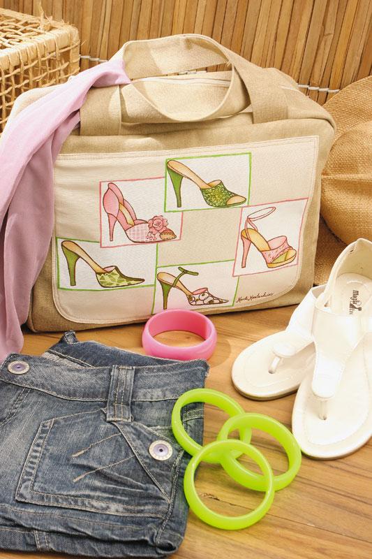 Bolsa decorada com pintura de sapatos