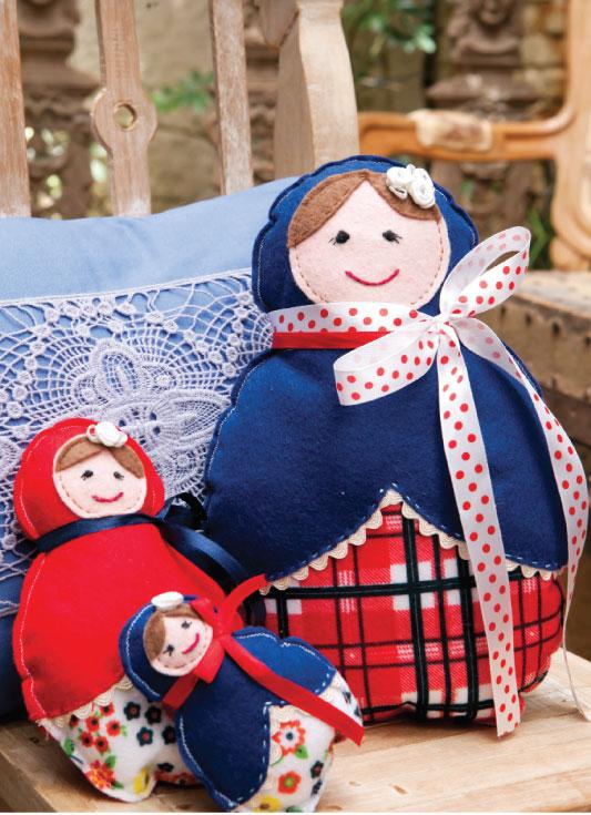 Trio de bonecas russas