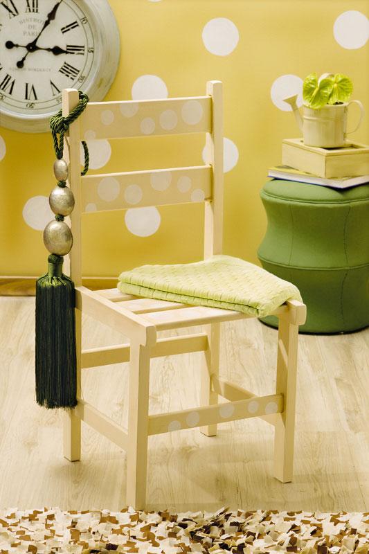 Cadeira de bolinhas