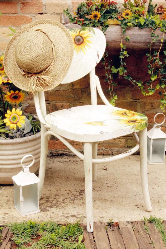 Cadeira com girassóis