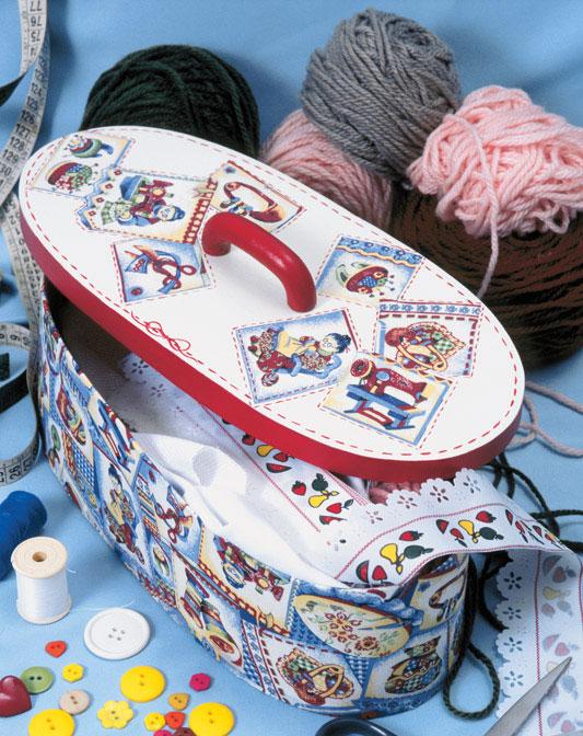 Caixa de costura com découpage. No estilo da vovó