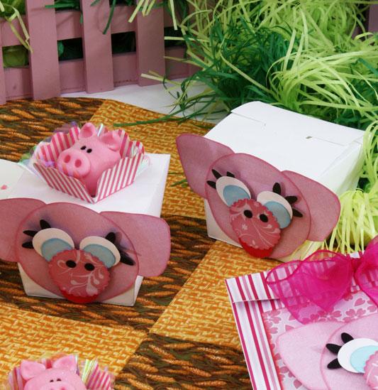 Caixa de lembrancinhas de scrap com tema porquinho