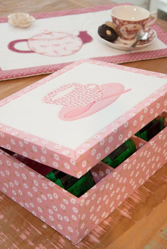 Caixa de chá com carton mousse