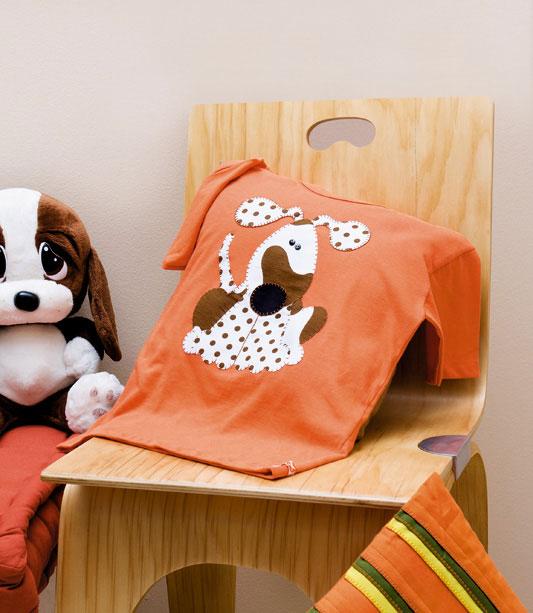 Camiseta com cachorro de patch apliquê