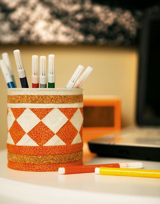 Porta-lápis de lata
